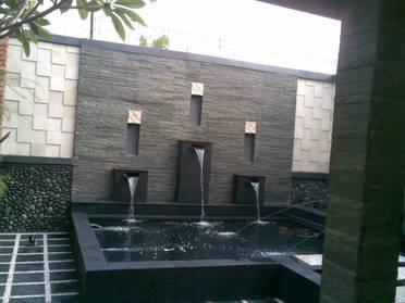 dinding batu alam minimalis